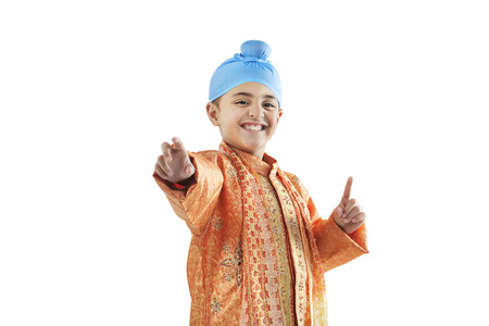 kurta: Sikh boy enjoying himself