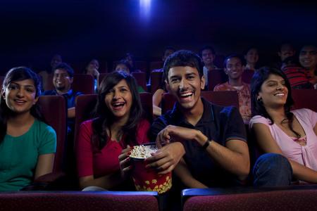 영화를 보는 사람들