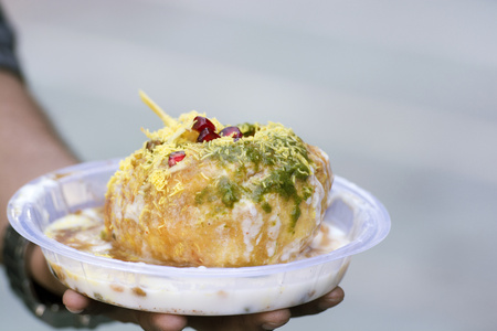 sev: Close-up of panipuri with curd