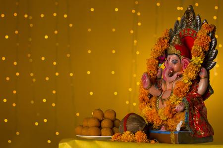 Ganesh 우상과 laddus