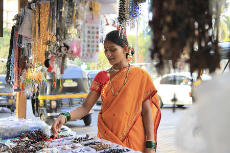 roadside stand: Maharashtrian woman shopping