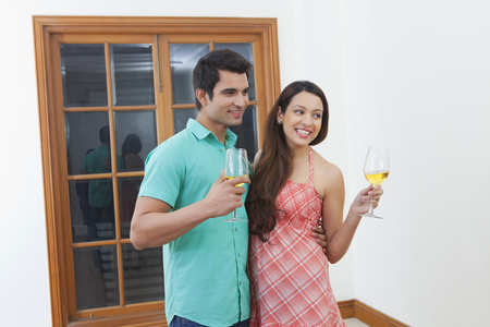 thrilled: Agent showing property to young couple