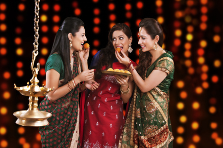 Young women celebrating Diwali Banco de Imagens