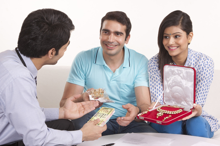 mortgaging: Couple mortgaging jewelery