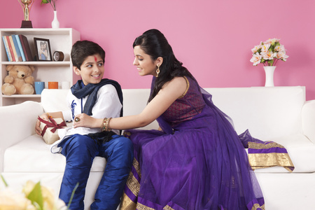 kurta: Sister snatching gift from her brother at the festival of Rakhi