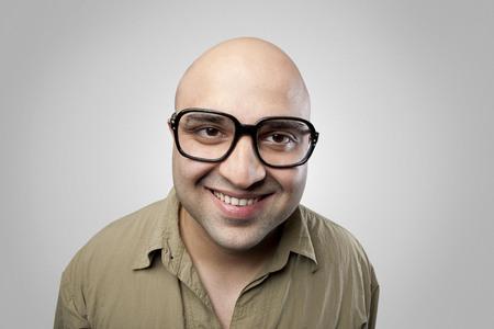 calvicie: Calvo hombre sonriente