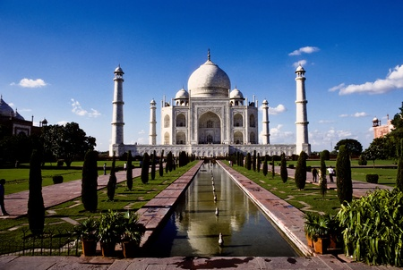 mumtaz: White marble Taj Mahal in India, Agra, Uttar Pradesh Stock Photo
