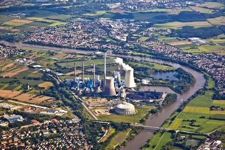 paesaggio industriale: centrale nucleare