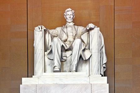 stitting: Statue of AbrahamLincoln in Memorial in Washington Stock Photo