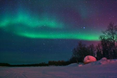 polar light: Luces del Norte (aurora borealis) mostrar cerca de Kaamanen, Finlandia