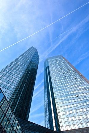 rascacielos: ventanas de edificios de oficinas, fondo de negocio cool