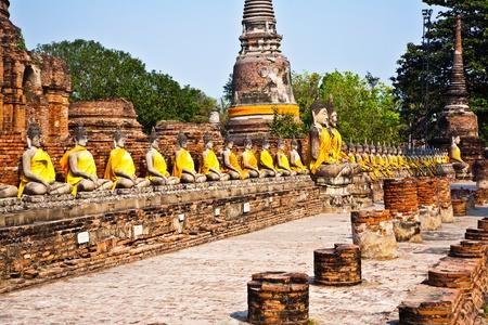 Buddha statues at the temple of Wat Yai Chai Mongkol in Ayutthaya near Bangkok, Thailand Stock Photo - 9327422