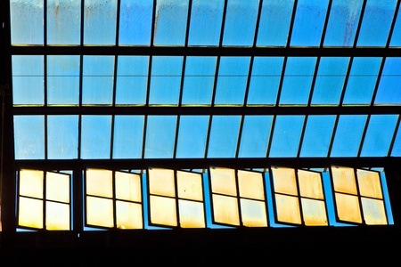 trainstation in Wiesbaden, glass of roof gives a beautiful harmonic structure Stock Photo - 9352030