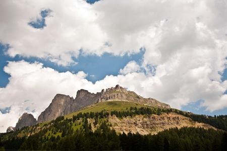Alpes: view to the Karer pass in the dolomite alpes