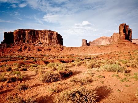 im Monument Valley in Arizona, Blick auf die gigantischen Steinformationen, Blick von John Fords Point auf die Ebene photo