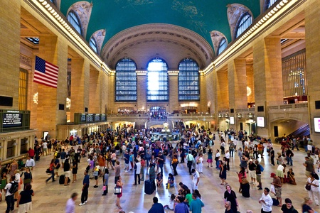 NEW YORK CITY- JULY 10 :  view of commuters and tourists flood the grand central station during the afternoon rush hour July 10, 2010 in New York. Stock Photo - 9532131