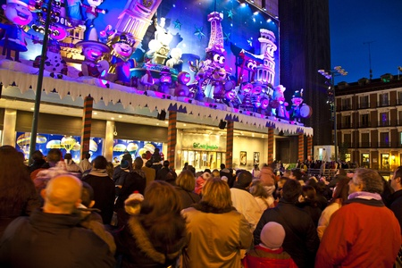 MADRID, SPAIN - DECEMBER 20: People have fun in Christmas time watching the famous puppet show and illumination at center El Corte Ingles on December 20, 2010 in Madrid, Spain. Stock Photo - 9541687