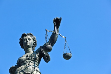 gerechtigkeit: Statue von Iustitia an die Romer in Frankfurt am Main - Deutschland
