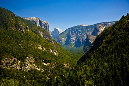 valley of yosemite park seen from the entrance with view to famous rocket formation el Kapitan photo