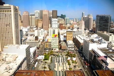 central square: SAN FRANCISCO, USA, 24 luglio: Vista da un grattacielo al paesaggio urbano di San Francisco luglio 24,2008 nella Piazza Centrale, San Francisco, USA. Visualizza in luce grande pomeriggio. Editoriali