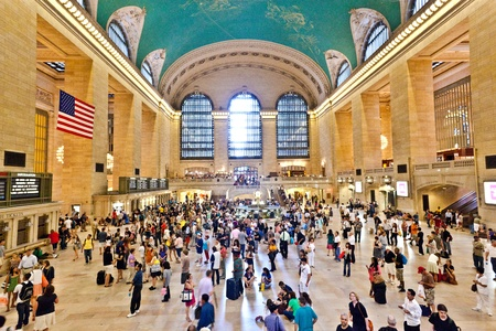 NEW YORK CITY- JULY 10 :  view of commuters and tourists flood the grand central station during the afternoon rush hour July 10, 2010 in New York. Stock Photo - 10666711