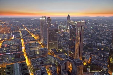 vysoký úhel pohledu: Frankfurt nad Mohanem v noci Reklamní fotografie