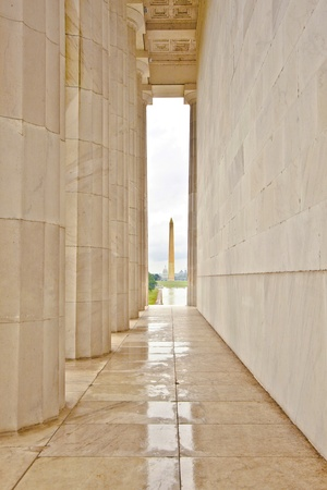abe: view to Washington Monument through marble pillars at the Lincoln Memorial, Washington DC Stock Photo