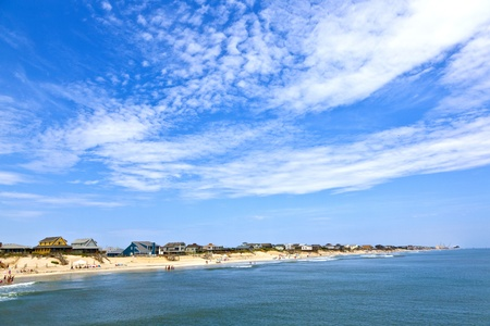 outer banks: beautiful beach with old cottages in Nags Head Stock Photo