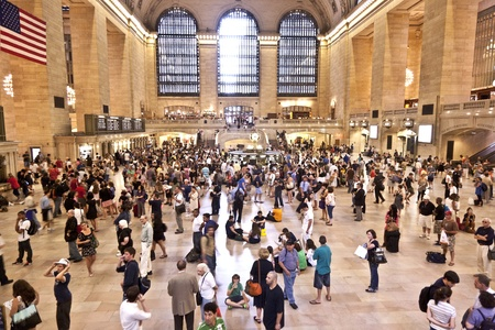 rush hour: NEW YORK CITY- JULY 10 :  view of commuters and tourists flood the grand central station during the afternoon rush hour July 10, 2010 in New York.