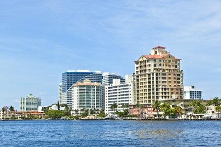 skyline of Fort Lauderdale from the canal Stock Photo - 10887239