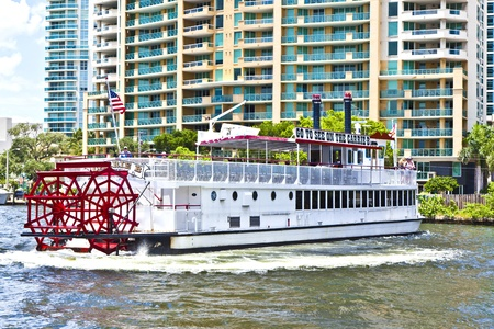 FORT LAUDERDALE, FL- AUG 1: Cruise with Carrie B paddlewheel riverboat  on August 01, 2010 in Fort Lauderdale, Florida. Since 1991, the Carrie B provides sightseeing cruises. Stock Photo - 10868237