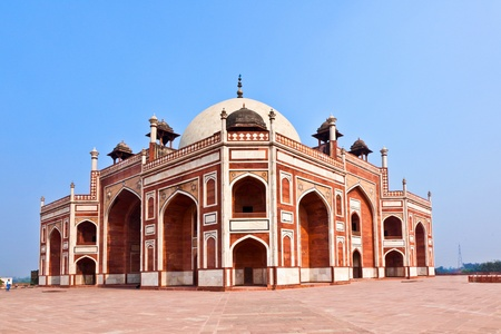 mughal architecture: India, Delhi, Humayuns Tomb, built by Hamida Banu Begun in 1565-72 A.D. the earliest example of Persian influence in Indian architecture Stock Photo