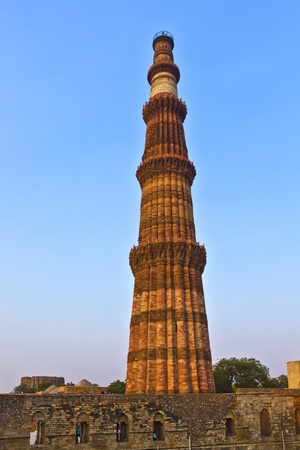 architectural heritage of the world: Qutb Minar, Delhi, the worlds tallest brick built minaret at 72m, built between 1193 and 1386
