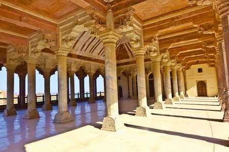 maharaja: Columned hall of a Amber fort. Jaipur, India