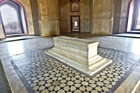 tumbas: India, Nueva Delhi, la Tumba de Humayun, construida por Hamida Banu Iniciado en el a�o 1565-72 el primer ejemplo de la influencia persa en la arquitectura india