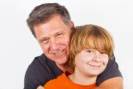 Vater und Sohn schmusen photo