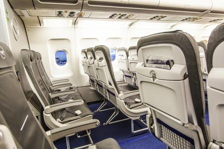 FRANKFURT - ALEMANIA, 16 DE MARZO: vuelo por la ma�ana desde Frankfurt a Berl�n en marzo de 16,2011 en Frankfurt, Alemania. En 2010, Lufthansa recibi� a m�s de 58 millones de pasajeros a bordo de sus vuelos.