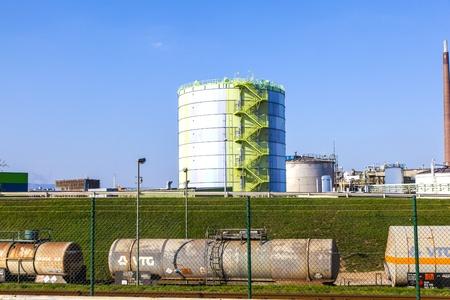 silo in Industry Park in beautiful landscape near Frankfurt Stock Photo - 12849002