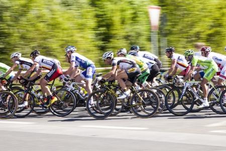 Schwalbach, DEUTSCHLAND - 1. Mai: mehr als 4500 Sportler fand am 51. Radrennen Rund um den Finanzplatz Eschborn-Frankfurt am Mai 1,2012 in Schwalbach, Deutschland. Der Gewinner 2012 ist Moreno Moser. Standard-Bild - 13511997