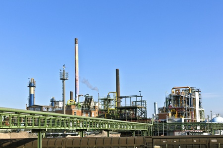 industrie: Industry park with silo and chimney