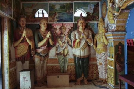 dagoba: Statue in the Jetavanarama Dagoba, Sri Lanka