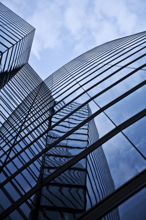 wiedeń: przednie szkło z UNIQA wieży w Wiedniu nieba Zdjęcie Seryjne