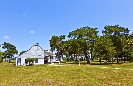 old typical historic farmhouse in south Carolinafarmhouse Stock Photo - 13760977