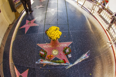 LOS ANGELES - JUNE 26: Michael Jacksons star on the Hollywood Walk of Fame as fans  remember the artist and leave messages to say goodbye on June 26, 2012 in Los Angeles. Stock Photo - 14612425