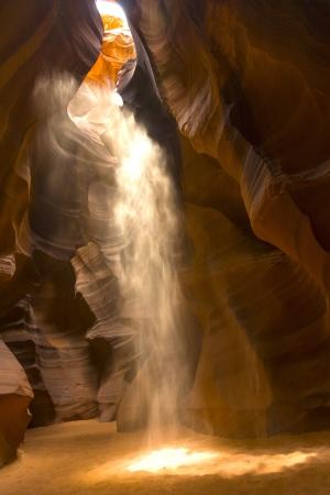 ページ、世界有名なスロットキャニオン アンテロープ キャニオン ・ ナバホ部族公園で近くアンテロープ キャニオン 写真素材 - 16713365