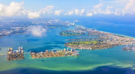 aerial oftown and beach of Miami 版權商用圖片