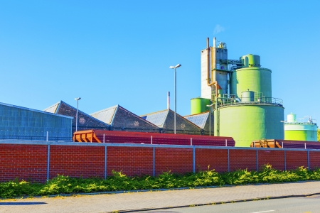 industrie: industry park from roadside in production