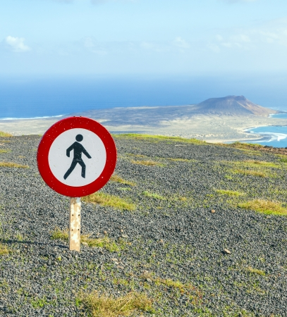 trespassing: tresspassing forbidden for people because of dangerous cliffs