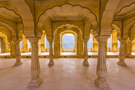amber fort: Columned hall of Amber fort. Jaipur, India