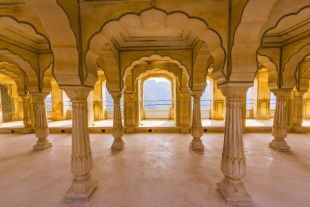 Säulenhalle von Amber fort. Jaipur, Indien